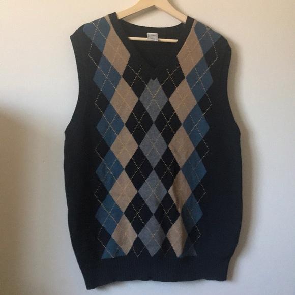 672d737d139 Old Navy • Men's Argyle Sweater Vest